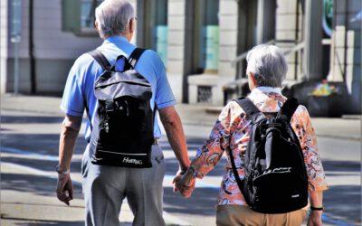 Wandelen op latere leeftijd: waar moet je op letten?